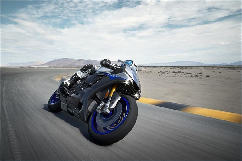 2019 Yamaha YZF-R1M in Sacramento, California - Photo 12