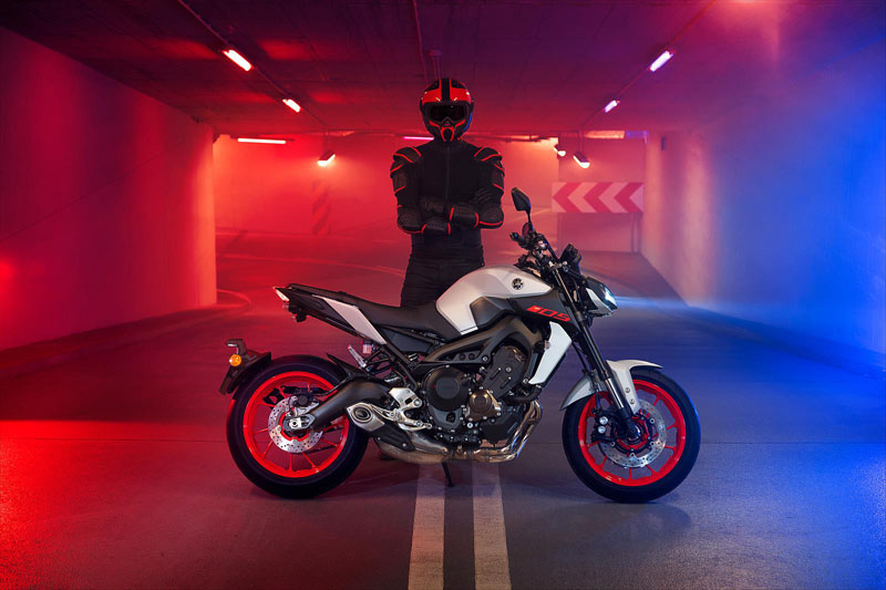 2020 Yamaha MT-09 in Shawnee, Kansas - Photo 11