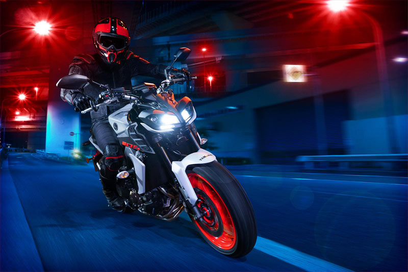 2020 Yamaha MT-09 in New Haven, Connecticut - Photo 12