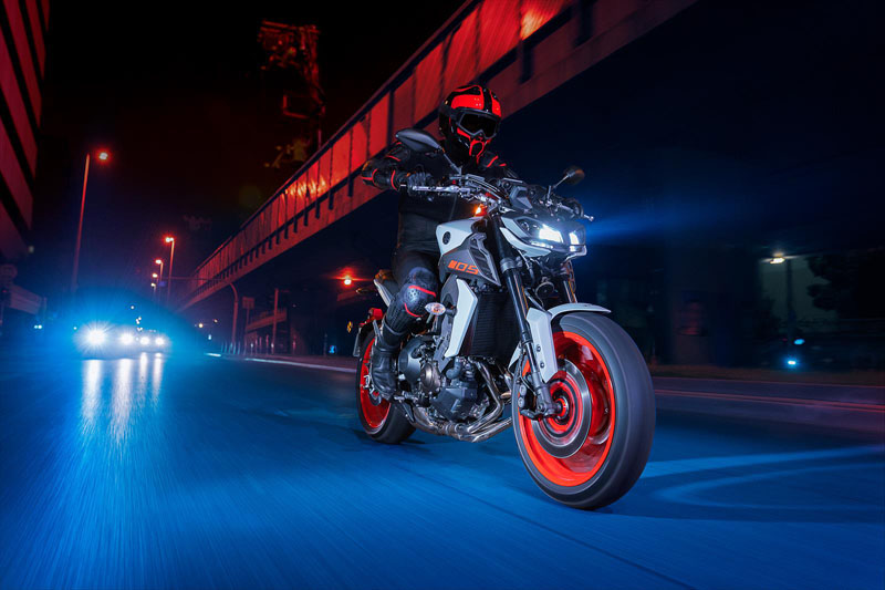 2020 Yamaha MT-09 in Tamworth, New Hampshire - Photo 15