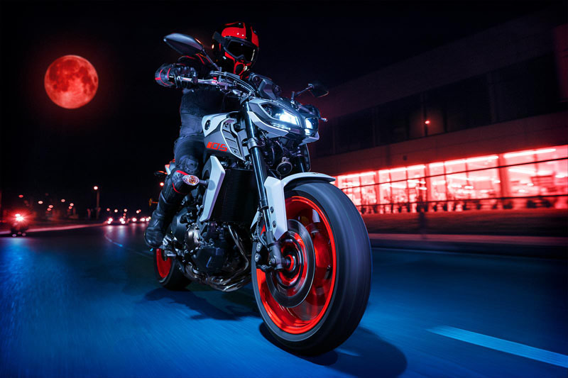 2020 Yamaha MT-09 in Tamworth, New Hampshire - Photo 16