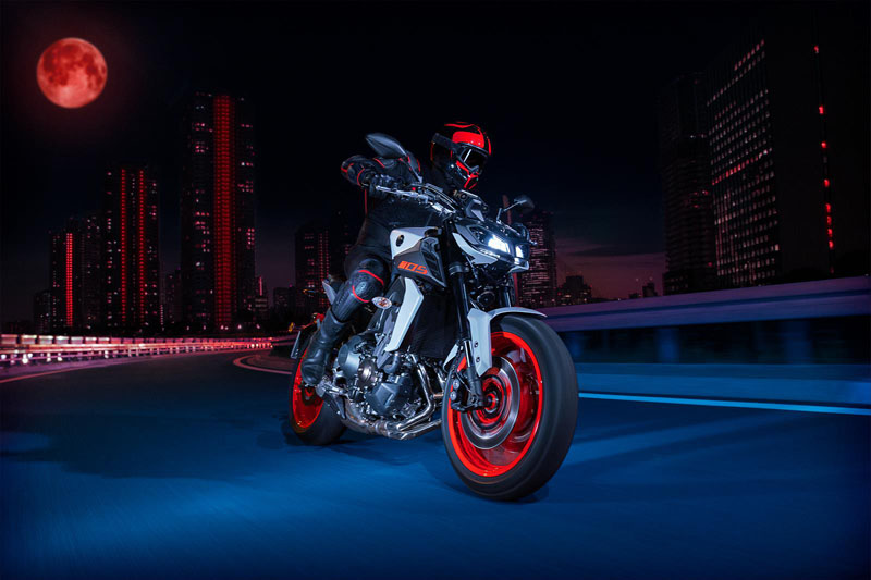 2020 Yamaha MT-09 in Laurel, Maryland - Photo 8
