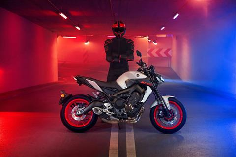2020 Yamaha MT-09 in Lumberton, North Carolina - Photo 6