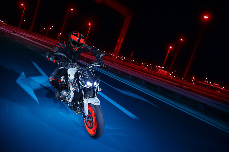 2020 Yamaha MT-09 in Sacramento, California - Photo 9