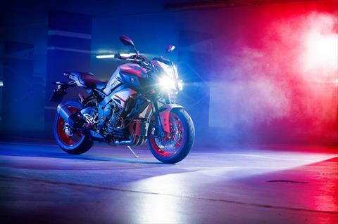 2020 Yamaha MT-10 in Metuchen, New Jersey - Photo 9