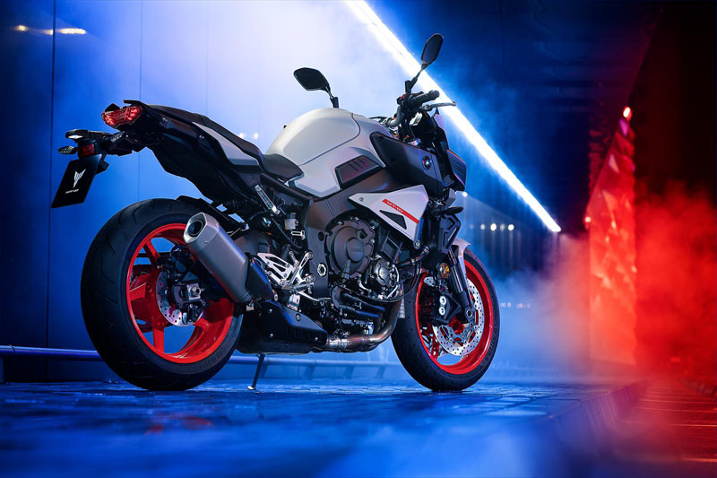 2020 Yamaha MT-10 in Tyrone, Pennsylvania - Photo 10