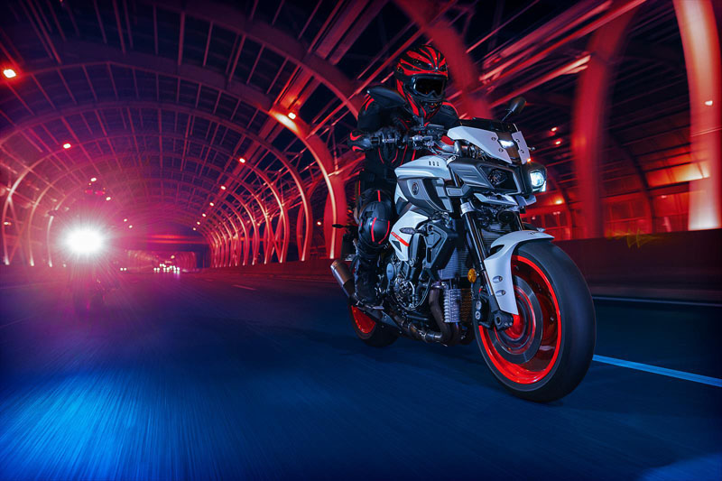 2020 Yamaha MT-10 in San Jose, California - Photo 11