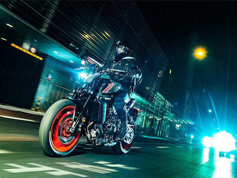 2021 Yamaha MT-09 in Berkeley, California - Photo 12