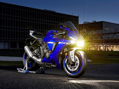 2021 Yamaha YZF-R1 in San Marcos, California - Photo 7