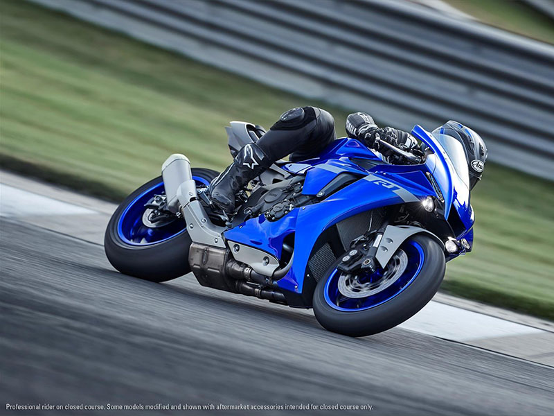 2021 Yamaha YZF-R1 in San Marcos, California - Photo 15