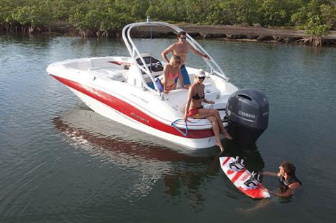 Yamaha F200 I-4 2.8L Digital 25 in Oceanside, New York - Photo 4