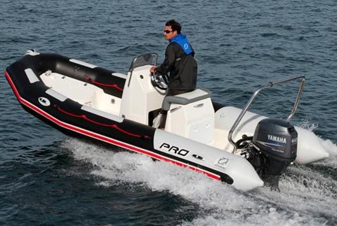 2016 Zodiac Pro Touring 550 in Stuart, Florida