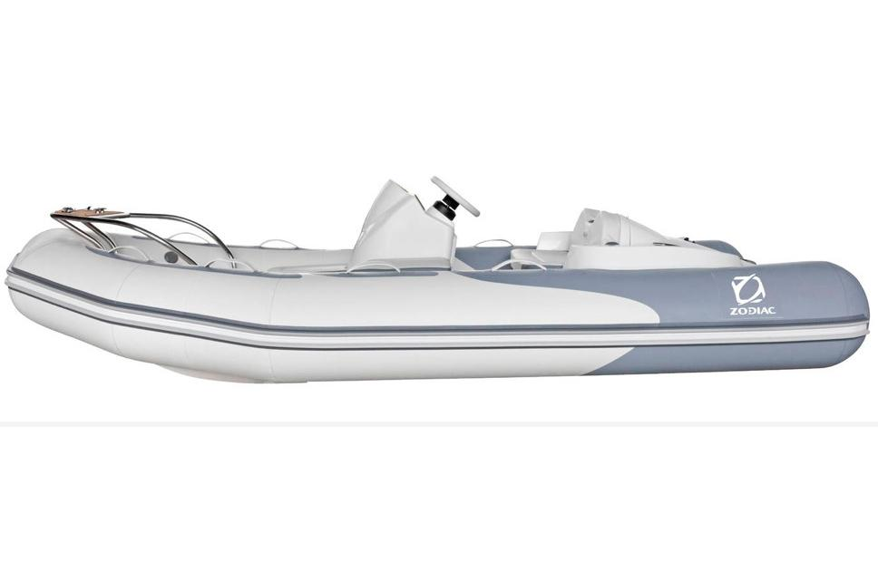 2016 Zodiac Yachtline 380 in Stuart, Florida