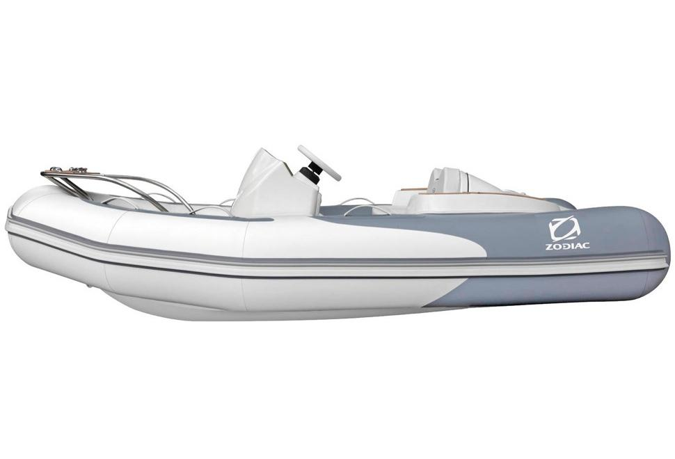 2017 Zodiac Yachtline 340 in Stuart, Florida