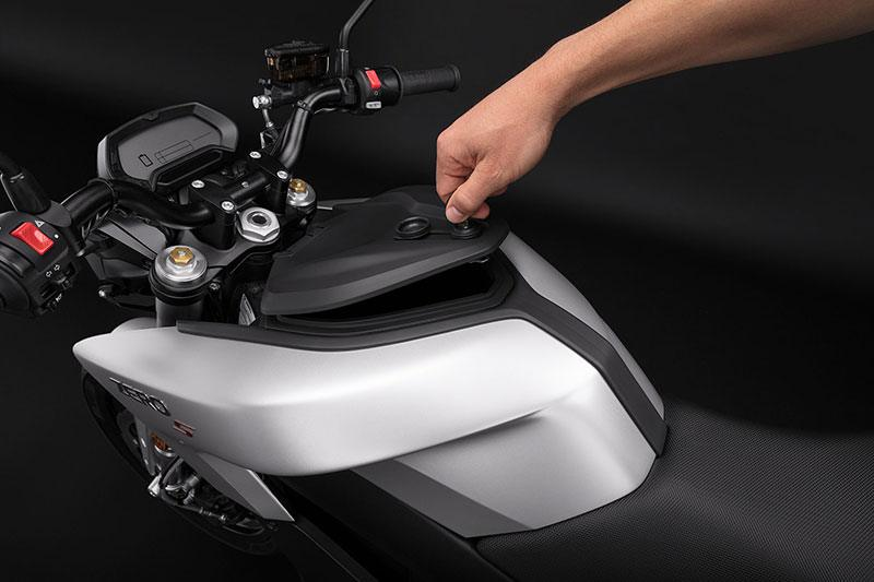 2018 Zero Motorcycles S ZF7.2 + Charge Tank in Enfield, Connecticut