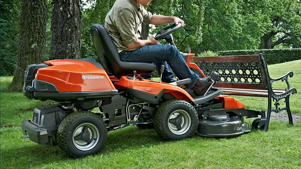 Lawn Mowers - Riding
